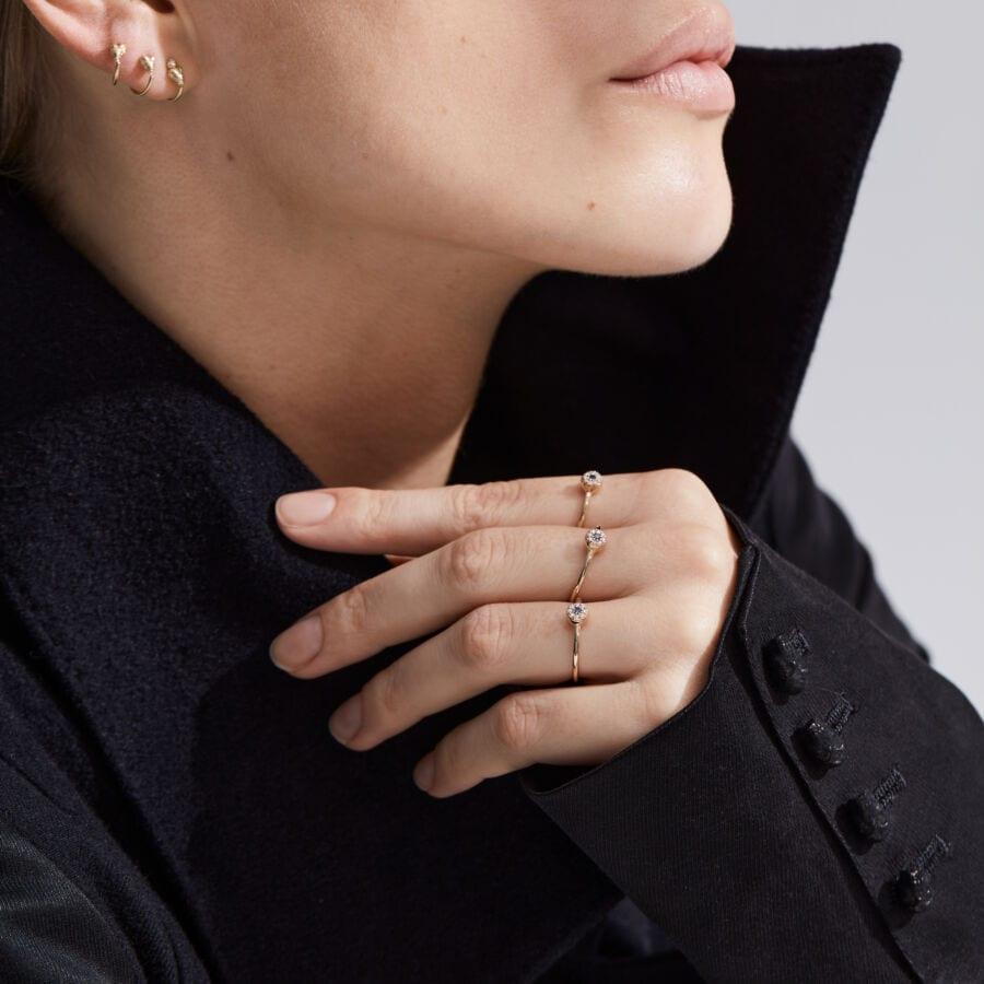 MISS EARLYFREE gold diamond</br> ideel til helix piercinger